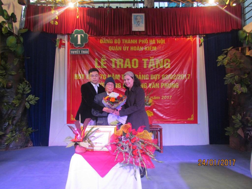 Trao tang 01