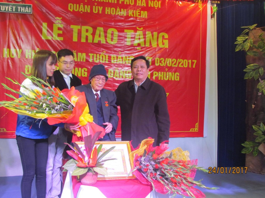 Trao tang 02