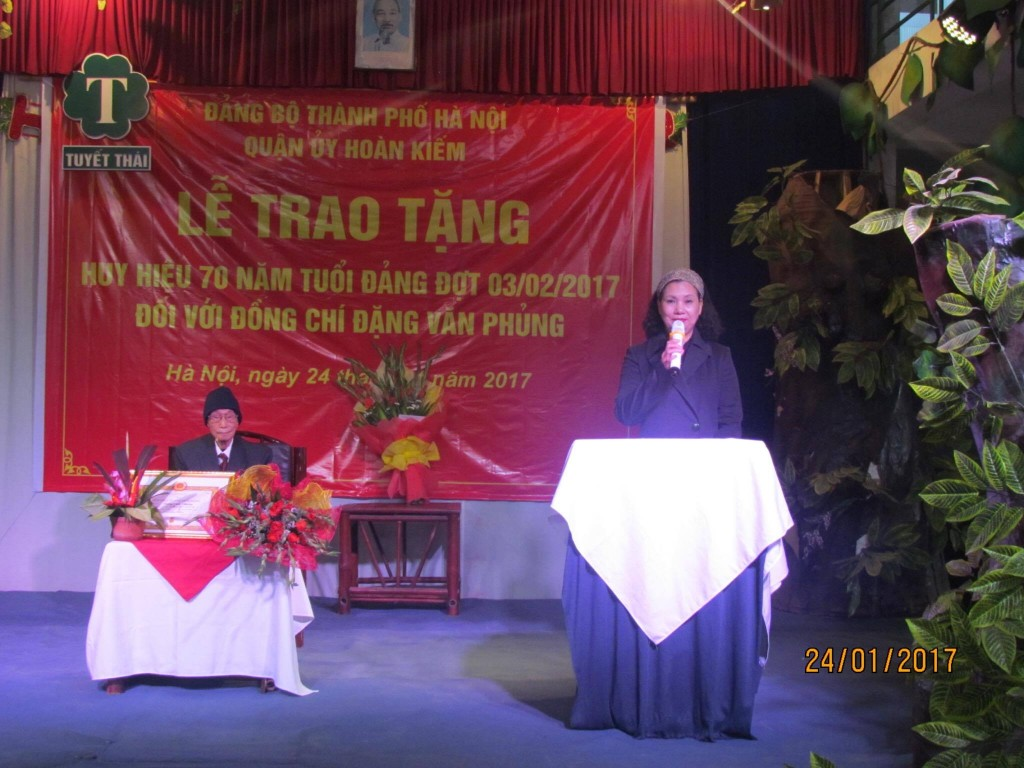 Trao tang 05